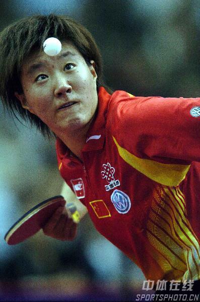 图文-女乒世界杯落下帷幕郭焱紧盯来球不放松