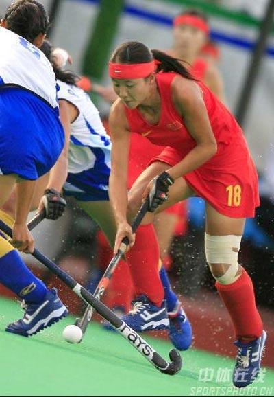 图文-女曲世界杯中国不敌韩国任烨带伤作战