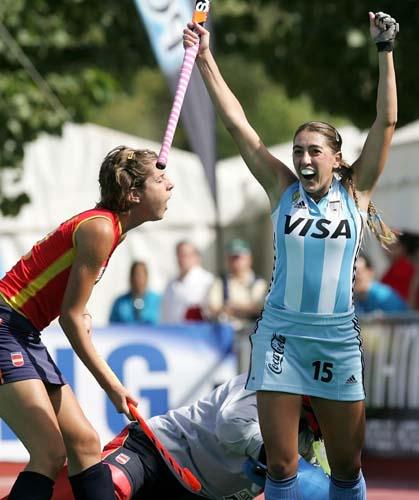 图文-女曲世界杯阿根廷5-0西班牙一家欢乐一家愁