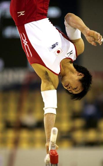 图文-体操世锦赛男团预赛激战富田洋之单臂回环
