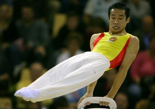 图文-体操世锦赛男团最终决战肖钦鞍马上如鱼得水