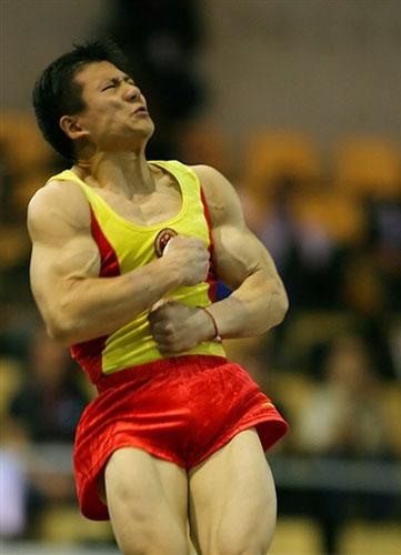 图文-体操世锦赛男团最终决战双腿有力落地稳健