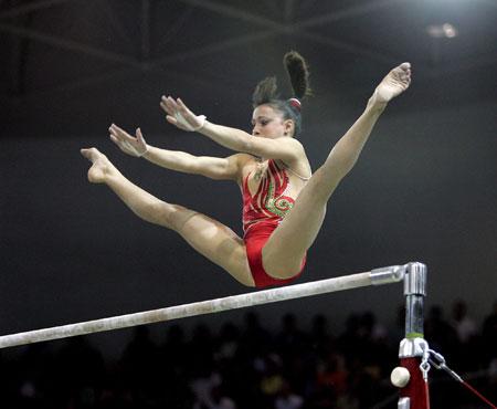 图文-体操世锦赛单项决赛首日高低杠第三名费拉里