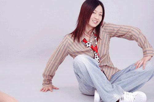 图文-张亚雯艺术照风情万种散发青春时尚气息