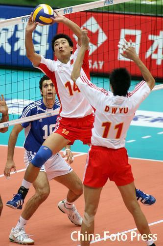 图文-男排世锦赛中国3-2埃及姜福东穿针引线