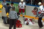图文-[亚冬会]男子冰球比赛举行裁判束手无策