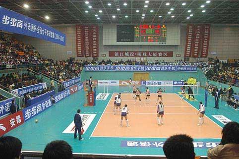 图文-全国女排联赛江苏2-3八一双方球员严阵以待
