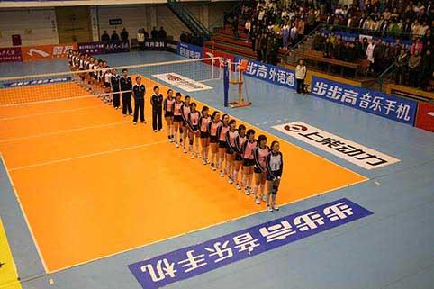 图文-全国女排联赛江苏2-3八一球员赛前一字排开