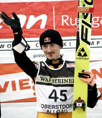 图文-跳台滑雪世界杯德国站马利斯浅浅的胜利微笑
