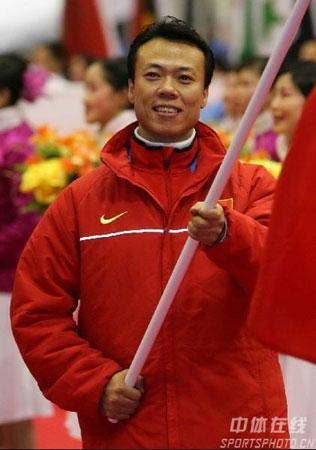 图文-亚冬会开幕式中国代表团入场赵宏博迈得豪迈