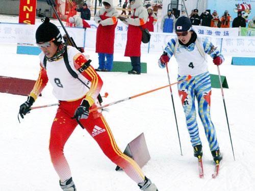 图文-亚冬会冬季两项女子7.5公里成功完成超越