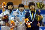 图文-短道速滑女子1500米王�髡�铜笑容有些无奈