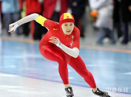 图文-速滑女子百米大战邢爱华夺冠距冠军一步之遥