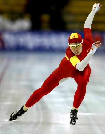 图文-速滑女子百米大战邢爱华夺冠冠军就是拼来的