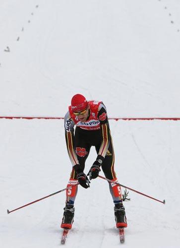 北欧两项世锦赛第9日阿克曼率先冲过终点线