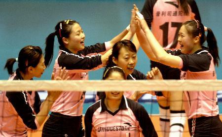 图文-女排联赛总决赛天津队夺冠天津队员喜笑颜开