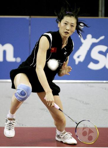图文-瑞士羽球超级赛中国获三冠大力劈杀显风采