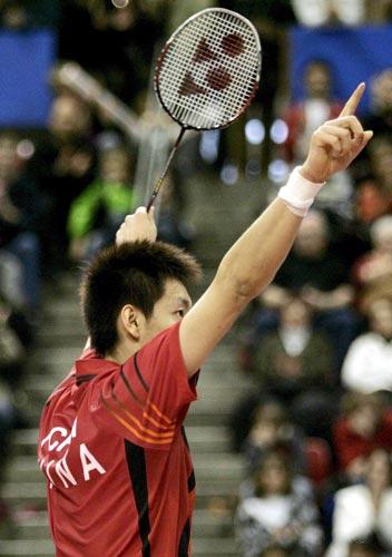 图文-瑞士羽球超级赛中国获三冠夺冠陈金霸气十足