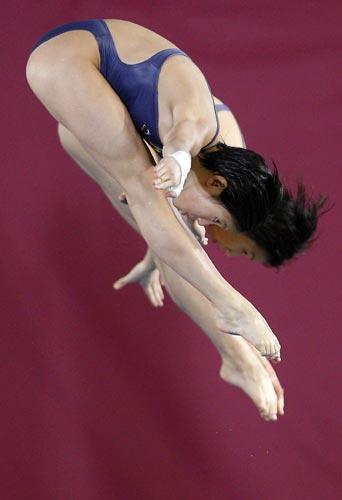图文-世锦赛女子双人10米台预赛贾童/陈若琳居首