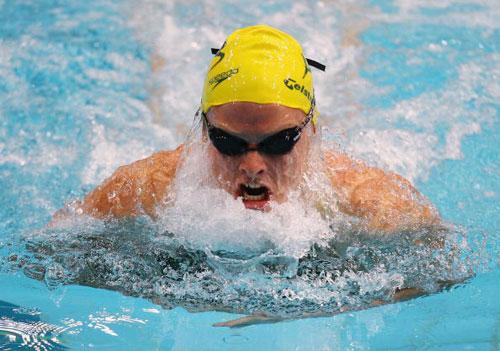 图文-美澳游泳对抗赛举行蛙后琼斯如水中女妖