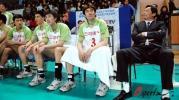 图文-上海男排胜辽宁夺得四连冠辽宁队员如此郁闷