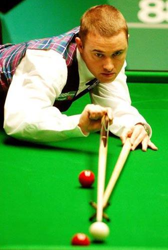 图文-斯诺克世锦赛第八日赛况亨德利架杆击球