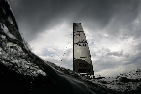 图文-美洲杯帆船赛3日赛况海天之间这一叶孤傲