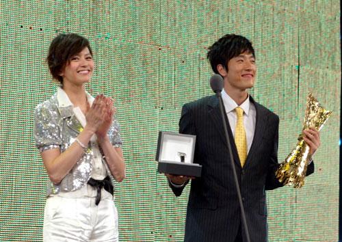 图文-十佳劳伦斯颁奖典礼英雄美人携手出场