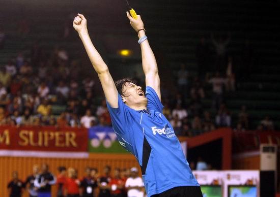 图文-印尼赛鲍春来胜陶菲克进决赛这一刻激情四射