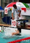 图文-全国游泳冠军赛雨中进行鱼儿一样水中翻腾