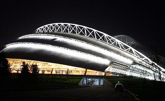图文-沈阳奥体中心璀璨夜景流线造型极富现代气息