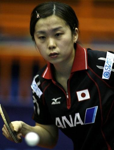 图文-世乒赛女单第二轮战况福冈春菜面色十分严峻