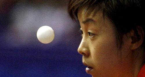 图文-女单次轮张怡宁4-0轻取对手一姐眼中只有它