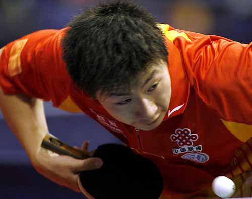 图文-世乒赛男单次轮马龙4-2胜出准备发一记猛弹