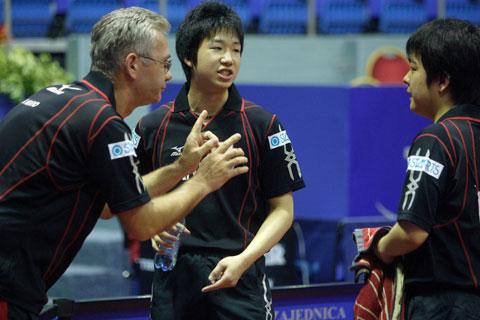 图文-世乒赛男双产生八强教练指导日本小将