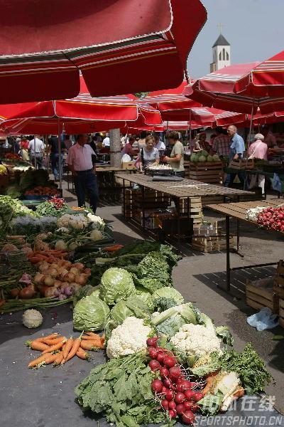 图文-世乒赛举办地萨格勒布掠影菜市场物品丰富