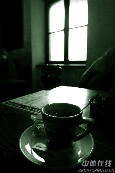 图文-世乒赛举办地萨格勒布掠影咖啡馆色调幽暗