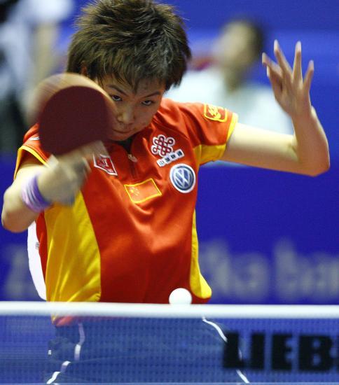 图文-世乒赛女单决赛郭跃VS李晓霞打法如此快速