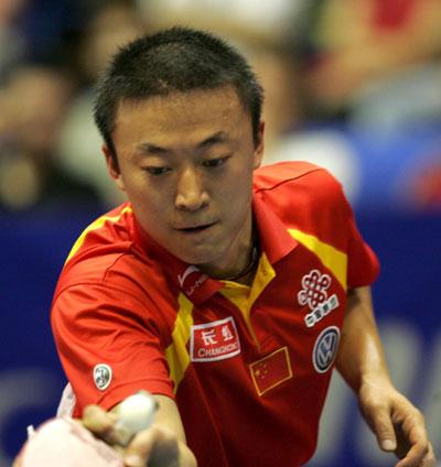 图文-世乒赛男单半决赛马琳回球小心翼翼