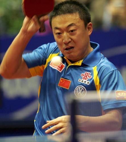 图文-世乒赛王励勤夺得男单冠军马琳也是拼尽全力