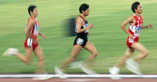 图文-十运田径比赛拉开战幕10000米选手健步如飞