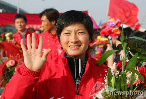 图文-山东创全运会最好成绩凯旋的双冠王邢慧娜