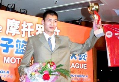14位大个竞争 3支球队有意 薛玉洋本周冲击NBA