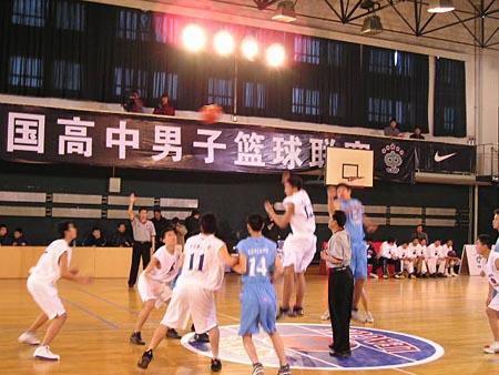 图文-NIKE全国高中篮球联赛北京赛区精彩瞬间