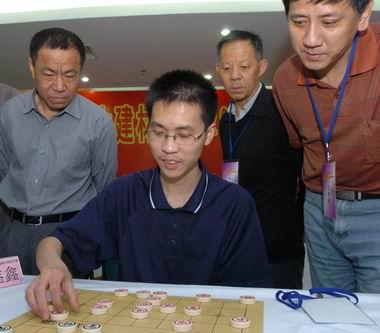全国象棋大师冠军赛落幕17岁小将赵鑫鑫登顶(图)