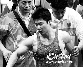 李小鹏体操赛场伤别离个人项目仅双杠希望进决赛