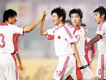 国足大胜泰国有亮点进球各异亚泰双星齐闪耀