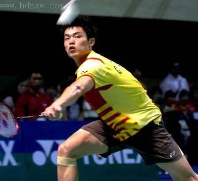 一周前,在香港羽毛球公开赛上接连攻克陶菲克、李崇伟,夺...