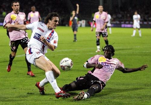 法甲 里昂队1 0胜南希队