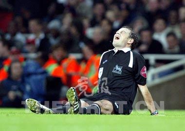 英超阿森纳3:0狂胜利物浦